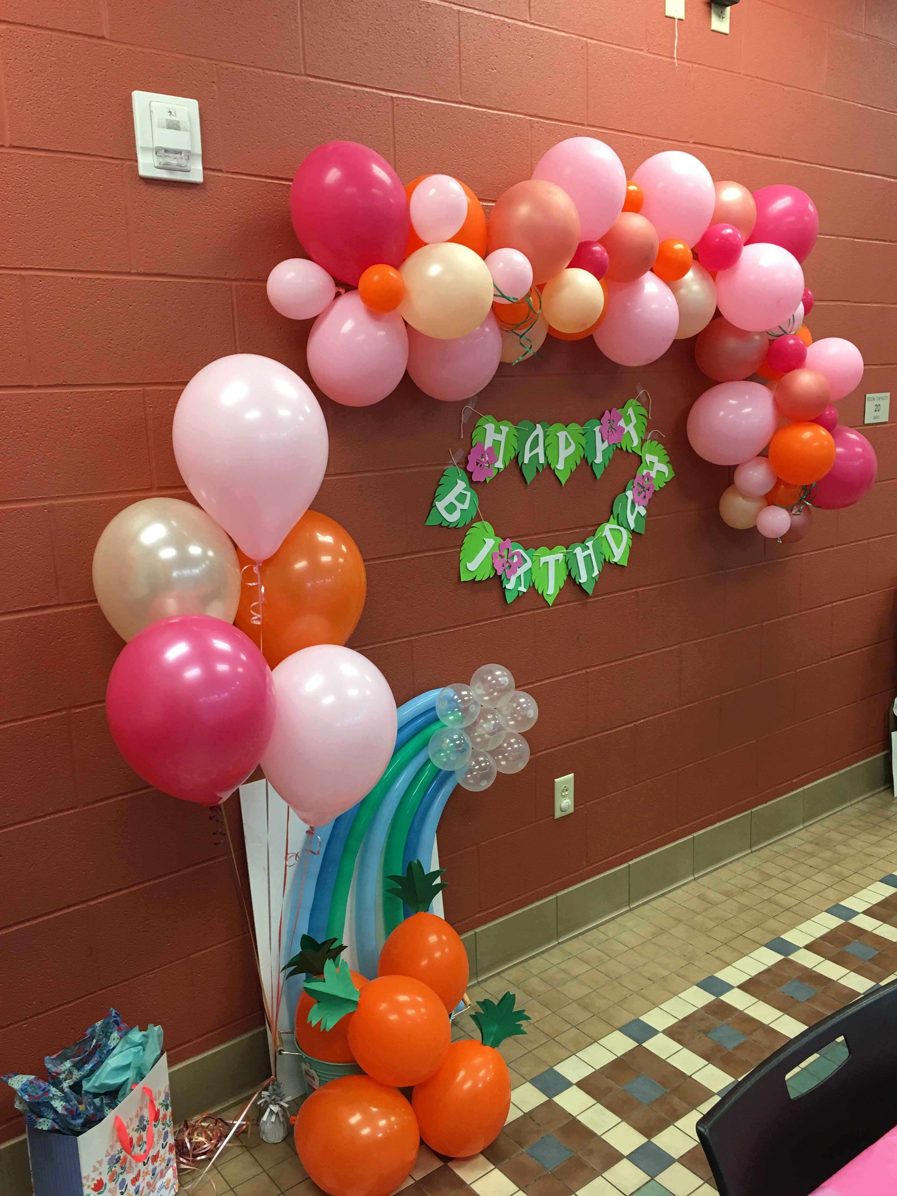 balloon wall - garland